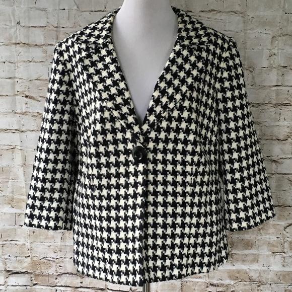 c6a3505a33 Dress Barn Jackets   Blazers - Dressbarn plus size one button jacket